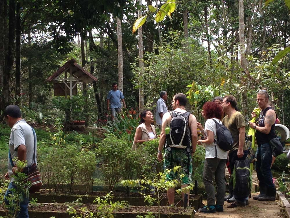 Excursion to the Amazonian Experimental Centre, with Don Victoriano and Grandfather Laureano. Photo © El Mundo Magico