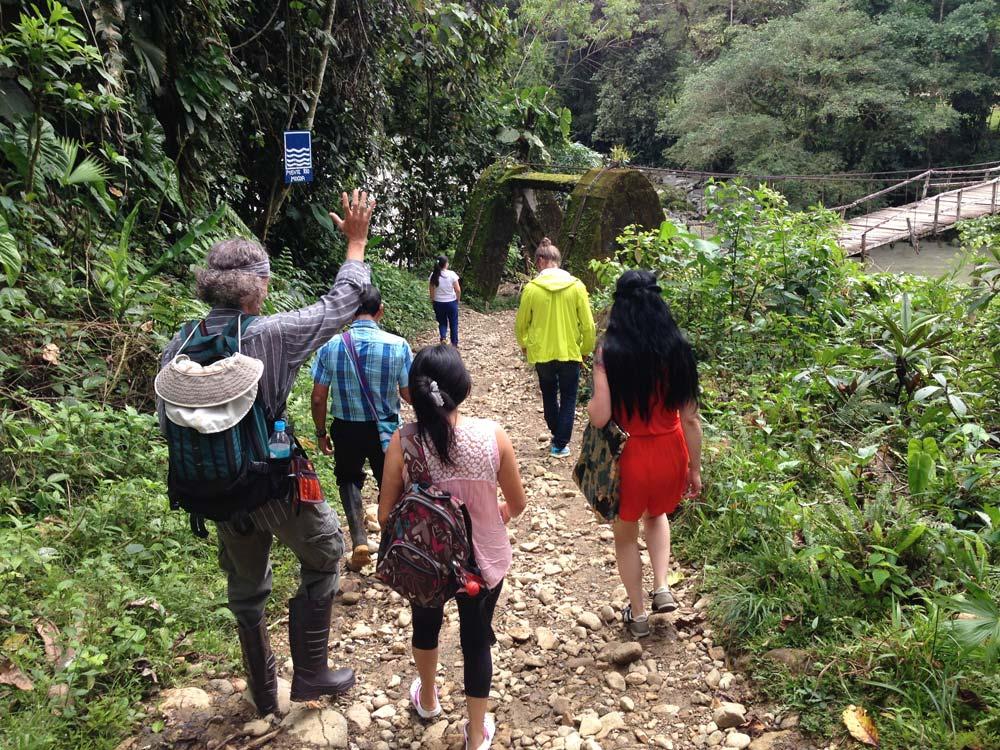Excursion to World's End Natural Reserve, led by Taita Victoriano. Photo © El Mundo Magico